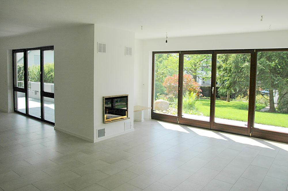 40102. Black Bedroom Furniture Sets. Home Design Ideas